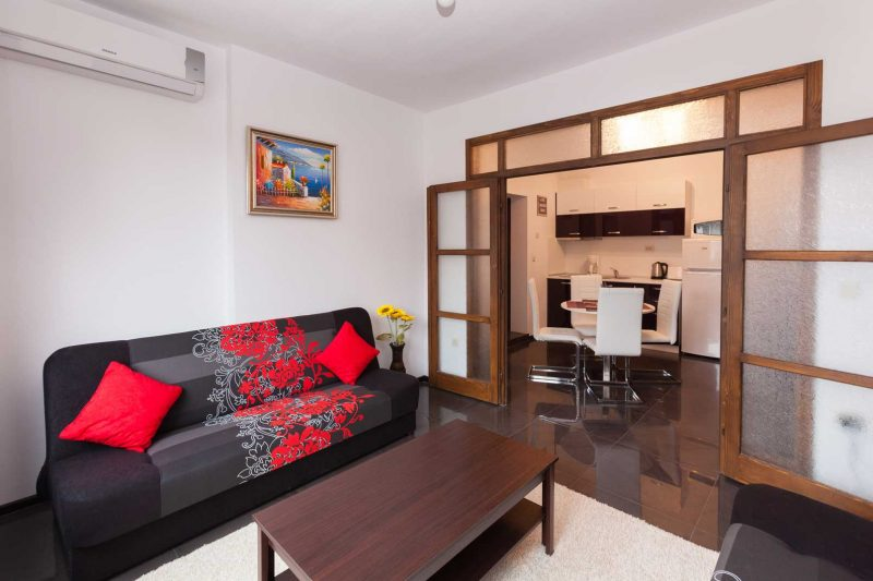 """Квартира """"Central Beach"""" в Бургасë - в самом центре города."""